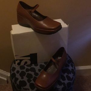 Shoes - Brown Mary Janes